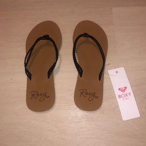 Girl's Roxy flip flops